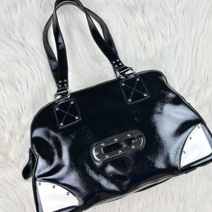 Guess patent leather shoulder tote purse